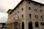 Das Hotel von der Seite